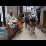 Desde el Hotel Alka a la calle – Varanasi