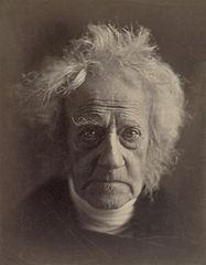 http://www.lluisribes.net/wp-content/uploads/2012/08/187px-John_Herschel_by_Jula_Margaret_Cameron-2C_Abril_1867.jpg